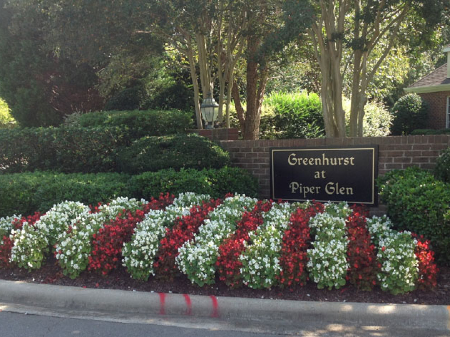 About Green Earth Landscaping Commercial Landscape Contractor and Landscape Maintenance Services